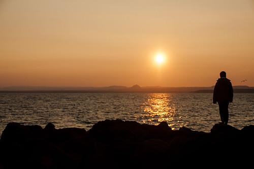 sunset sun water iceland nikon rocks boulders keflavik d300 andersmagnusson