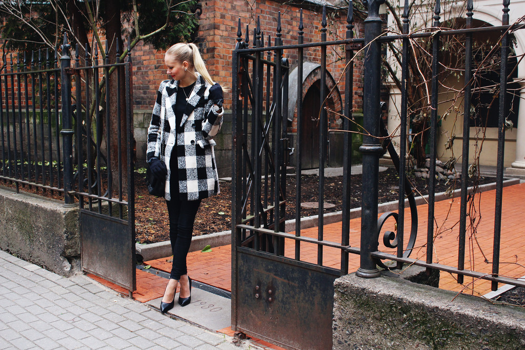 monochromatic-look-plaid-coat
