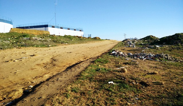 Escombrera camino calle 28 febrero a carretera Tocina