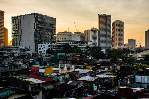 architecture sunrise skyscrapers philippines rood slums manilla travelphotography
