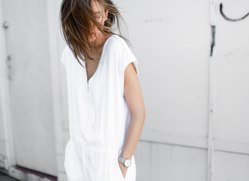 MODERN LEGACY fashion blog all white street style jumpsuit detials (1 of 1)