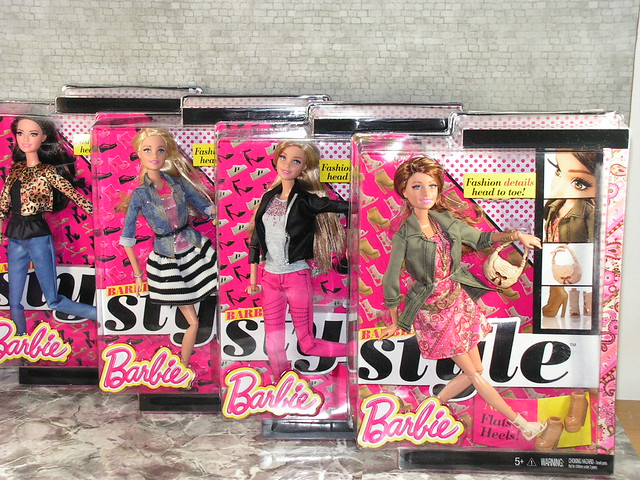 2014 Barbie Style BLR55 (2)
