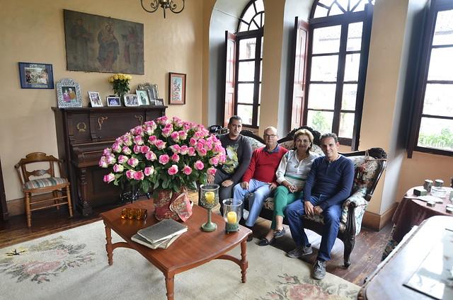 Sentados con los dueños de la Hacienda La Compañía (Ecuador)