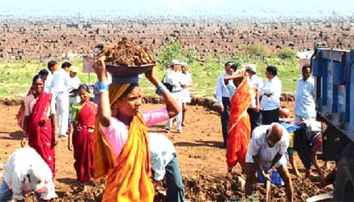 राष्ट्रीय ग्रामीण रोजगार गारण्टी कानून के दो साल