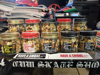 KATAKEN'S SMOKED MIX NUTS