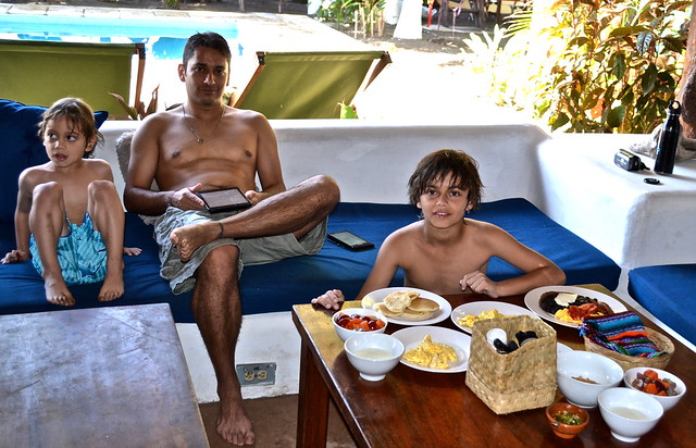 paredon surf house - guatemala typical breakfast