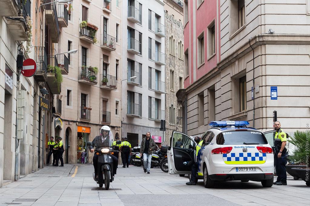 Испанские полицейские в Барселоне