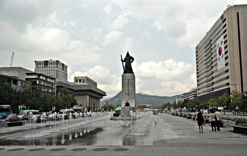Statue of Admiral Yi Sun-Shin, Seoul