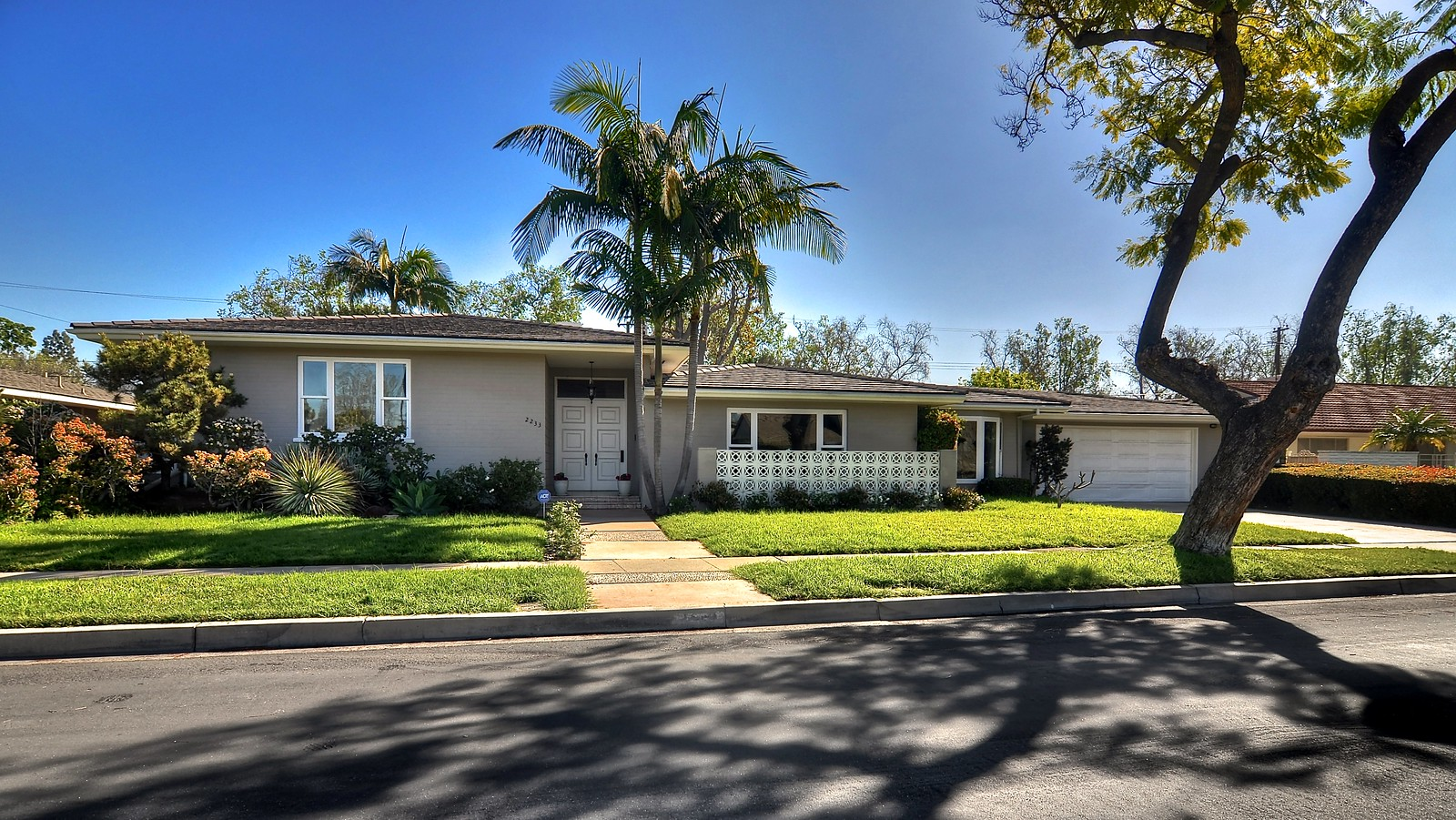 2233 N Westwood Ave | Open House Sunday 3/1 from 1-4 pm
