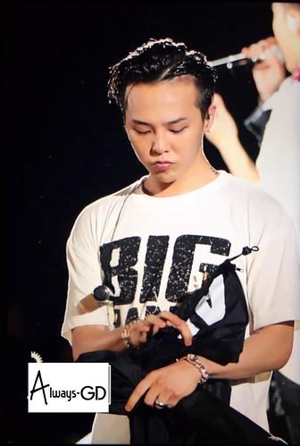 BIGBANG Osaka 10th Anniversary concert 2016-07-30 Day 2 (21)