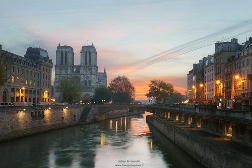 world city light paris france art history monument seine digital photoshop sunrise canon french effects photography eos town photo europe long exposure flickr raw photographer view shot capital notredame full frame 5d manual capitale fullframe dslr ff dri hdr ville parisian pp francais città blending lightroom photographe effets 2014 lii mark3 2470mm markiii parisien 2470 photomatix canonef2470mmf28l fromentin fromus colocación cuida a7r traitements prefecturepolice metabones fromus75 fromentinjulien canone2470mmf4liiusm