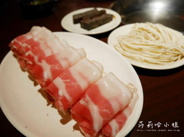 台北新店酸菜白肉鍋蒙古烤肉吃到飽涮八方 (6)