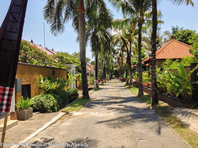 Indonesia - Bali - Seminyak - The Club Villas - The complex looks like residential complex 2
