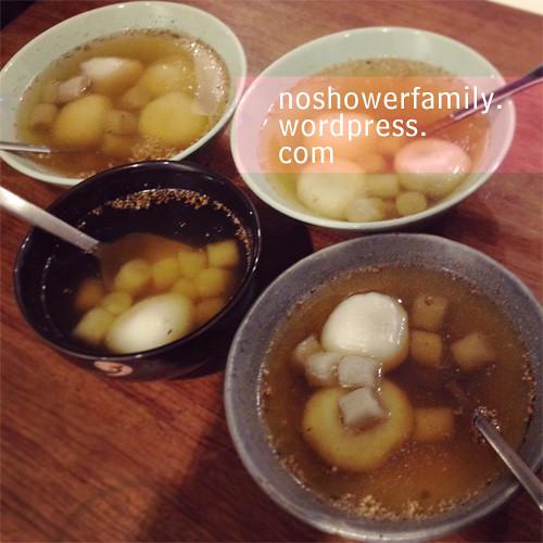 glutinous-rice-balls(Tangyuan)+Taro-Balls(Yu-Yuen) in sweet olive soup