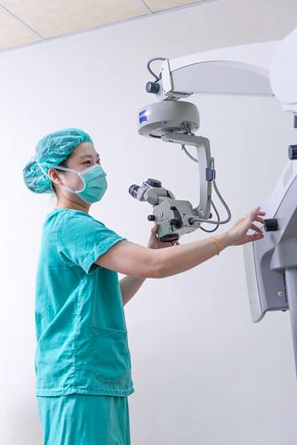 高科技白內障手術器材介紹-來高雄陳征宇眼科診所大開眼界0205 (96)
