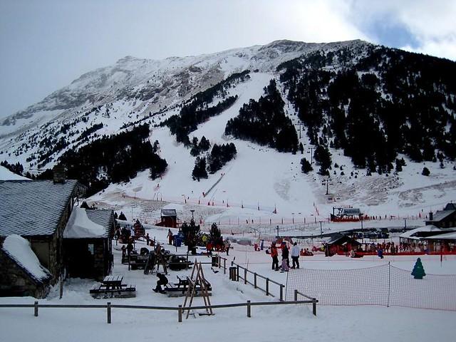 Esquiar barato en Nuria