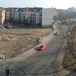 Baumfällung Ergebnis in Stötteritz danach. Links: die große Fläche die jetzt bebaut wird. Rechts die Fläche die letztes Jahr noch von unzähligen Bäumchen und Sträuchern besetzt war.