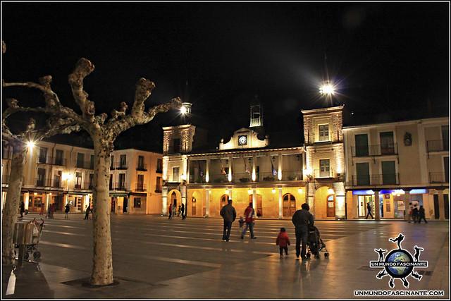 Ayuntamiento y Plaza Mayor de El Burgo de Osma (Soria)