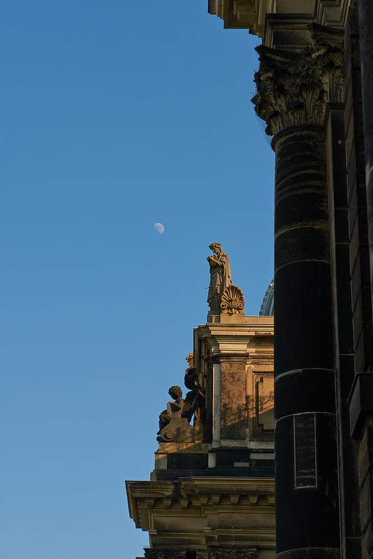 Moon and Statue - Dresden