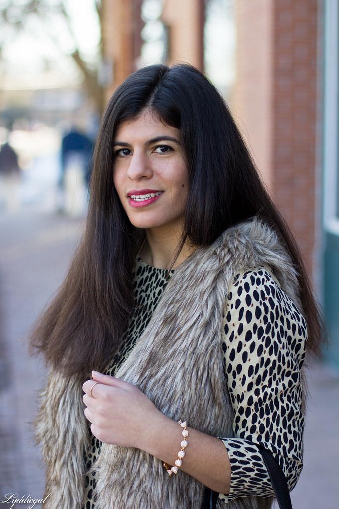 leopard tunic, fur vest, black jeans-4.jpg