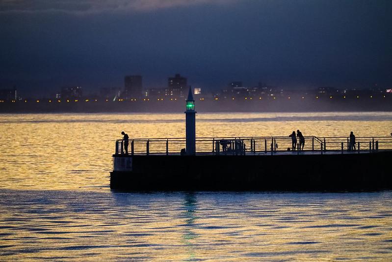 低気圧後の江ノ島湘南港