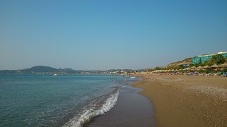 Bild av Faliraki Beach (Παραλία Φαληρακίου) Faliraki beach nära Faliraki. sea море прибой surf пляж beach отпуск vacation holidays παραλία θάλασσα πέλαγοσ greece rhodes греция родос ρόδοσ ελλάδα καλλιθέα φαληράκι