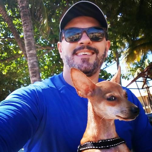 Eu e Numiá em dia de praia... #domingo #guaxumabeach  #numiá