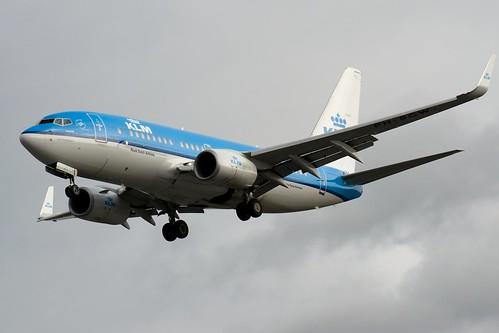 B737 - Boeing 737-7K2