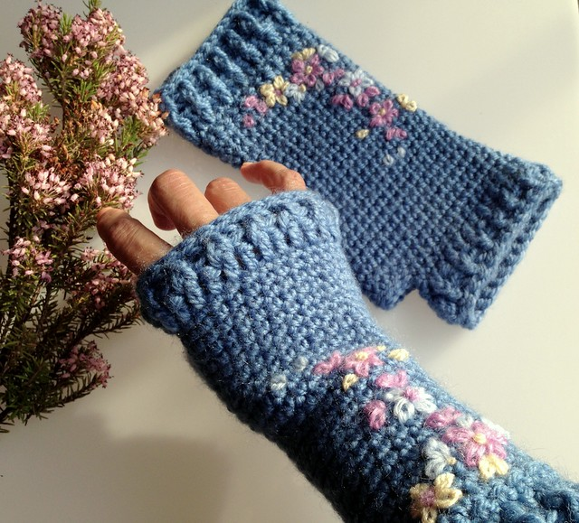 embroidery mittens inspirations