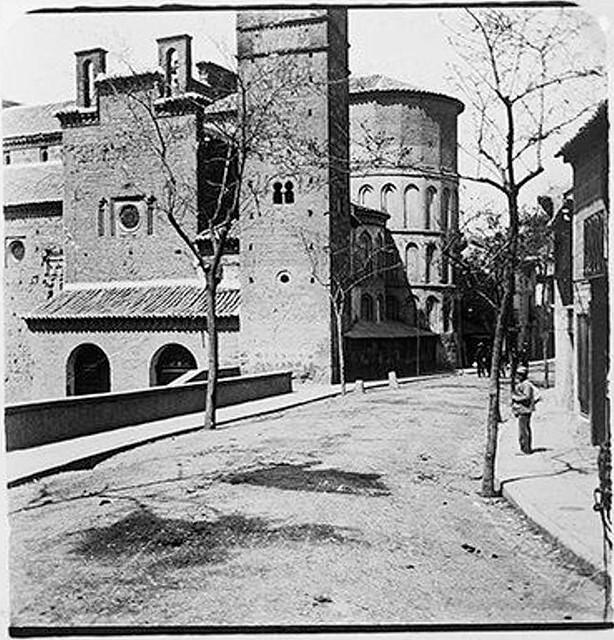 Iglesia de Santiago del Arrabal en 1900. Fotografía de Augusto T. Arcimis © Fototeca del IPCE, MECD. Signatura ARC-0736_P