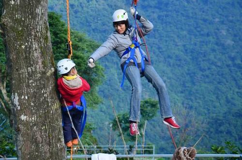 來,我們一起往上攀。圖片來源:黃淑玲