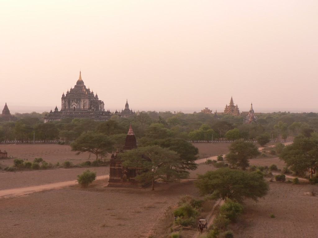 Bagan-at-Sunset-Burma-1024x768