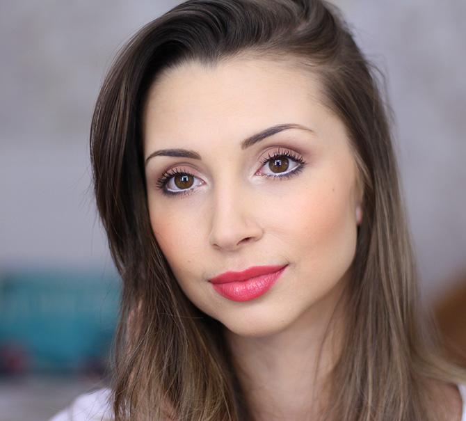 04-maquiagem completa para o dia com esfumado marrom