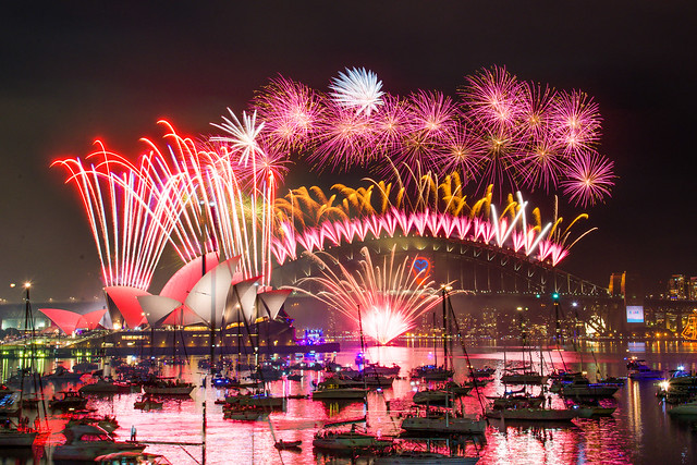 2014 Sydney New Years Eve Firework - 17