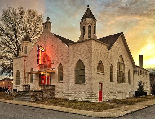 sunset church stone actors midwest neon theatre stage religion missouri relic excelsiorsprings iphone workflow processes 2015 fotoedge bobtravaglione iphone6plus