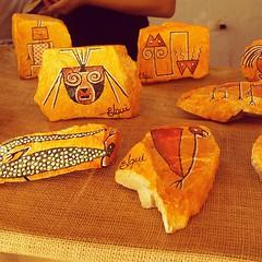 Iconografía en piedra #ajayugram pueden encontrar  este tipo de artesanía en el pueblo artesanal de Horcón #ajayugram