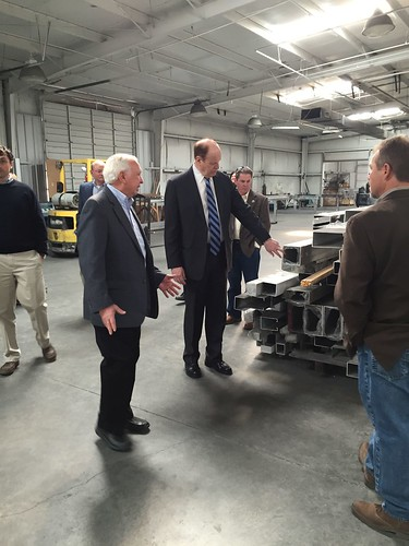 Senator Shelby visiting Tennessee Valley Metals in Blount County.