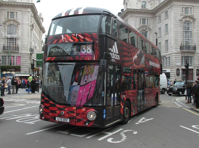 LT213, Piccadilly Circus, London, 22/10/14