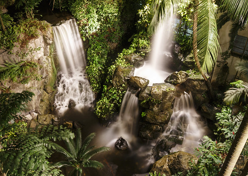 road lighting nature water garden hotel waterfall singapore long exposure time grand indoors manmade faux multiple hyatt scotts singapur feature outram lisaridings fantommst