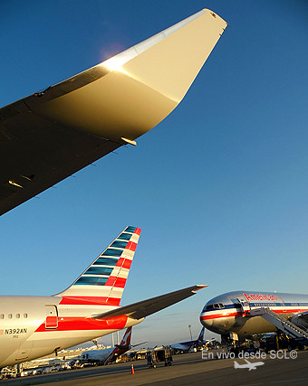 American Airlines tail y old livery (R.Vildósola)