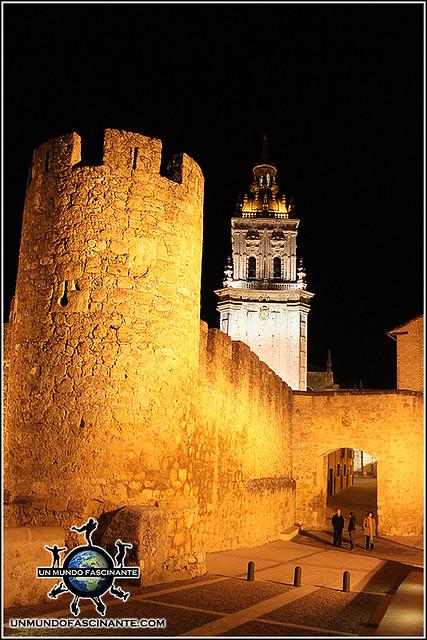 Murallas y Campanario de la Catedral de de El Burgo de Osma (Soria)