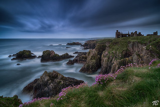 Rough coast - Slains Castle / Scotland