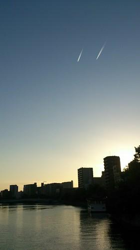 airplane track 飛行機雲