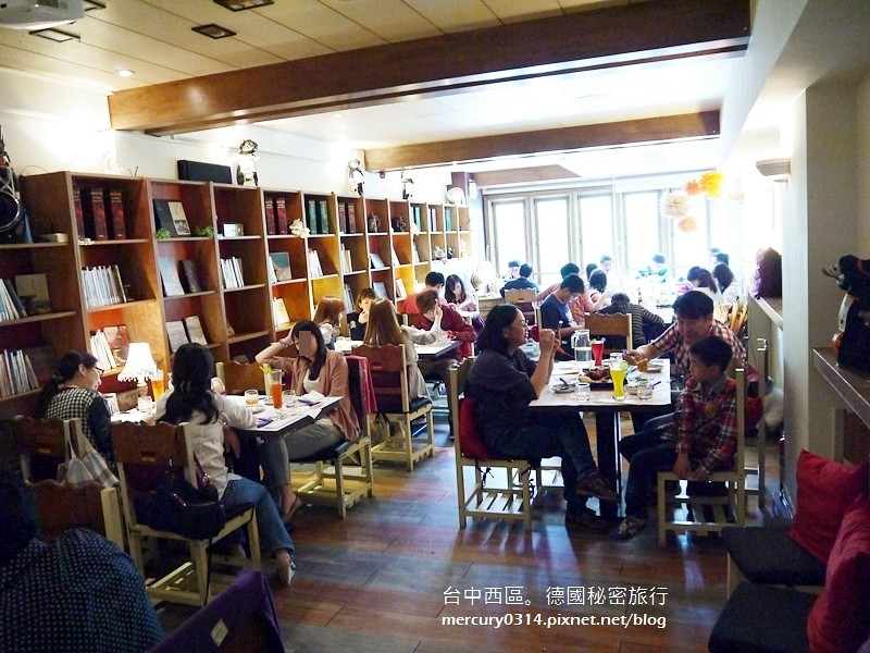 15688983159 1c0c37997f b - 台中西區【德國秘密旅行】充滿德國風情與道地風味的特色餐廳,家庭聚會慶生午茶都很溫馨(已歇業)