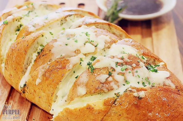 Harina's Bloomin' Bread (P320)