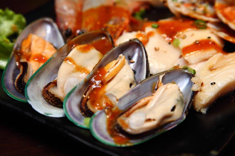 Rocku-Yakiniku-Mussels