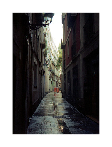 barcelona morning light film analog pen 35mm shadows view superia lofi streetphotography olympus 200 fujifilm pelicula analogue halfframe expired 35 singleframe ee2 pel·licula