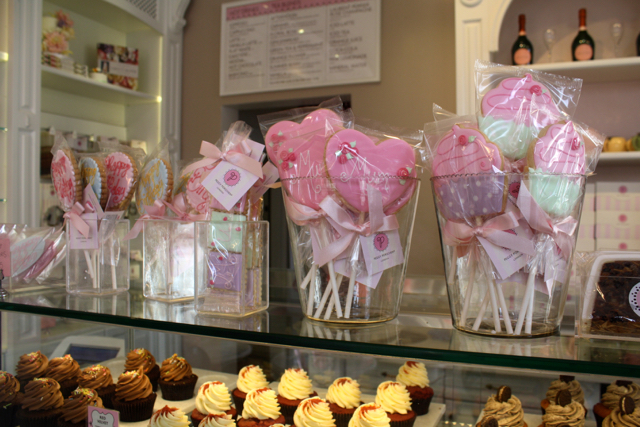 Cake pops in Peggy Porschen, London
