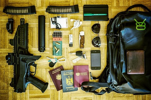 'The Jason Bourne Every Day Carry' Photo-Session