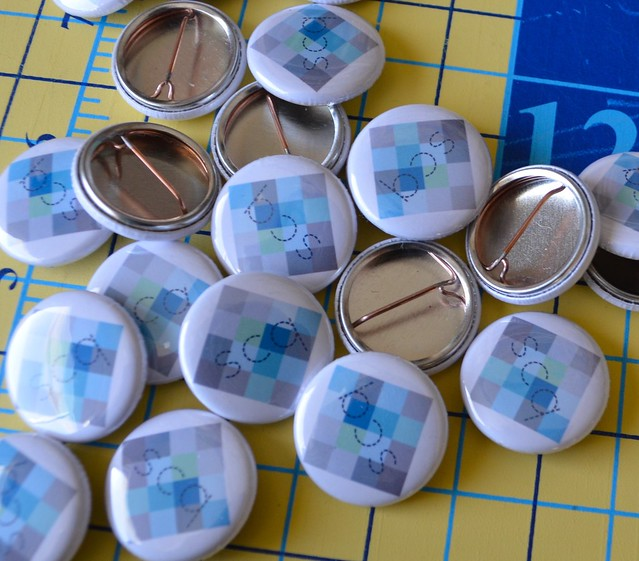 she can quilt buttons